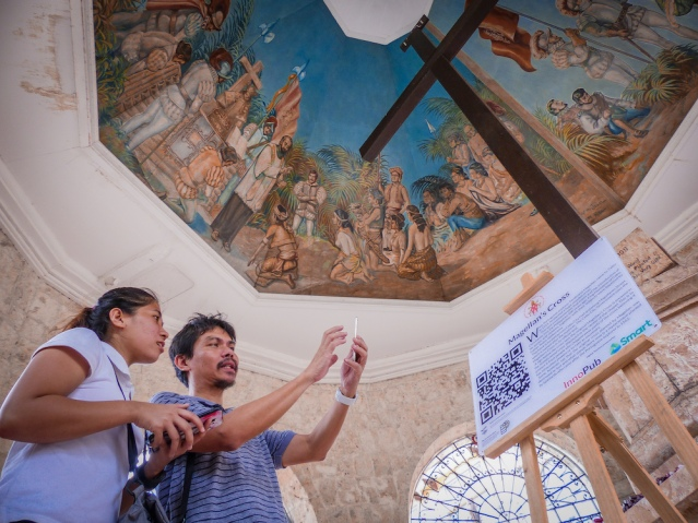 Cebu Basilica Magellan Cross Smart 2.jpeg